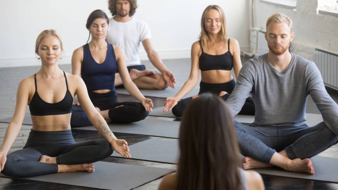 The benefits of joining a yoga community and how to choose one